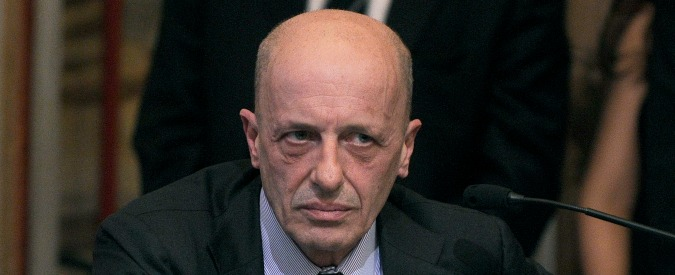 Alfano querela Sallusti per diffamazione. Nel 2012 raccoglieva le firme per graziarlo