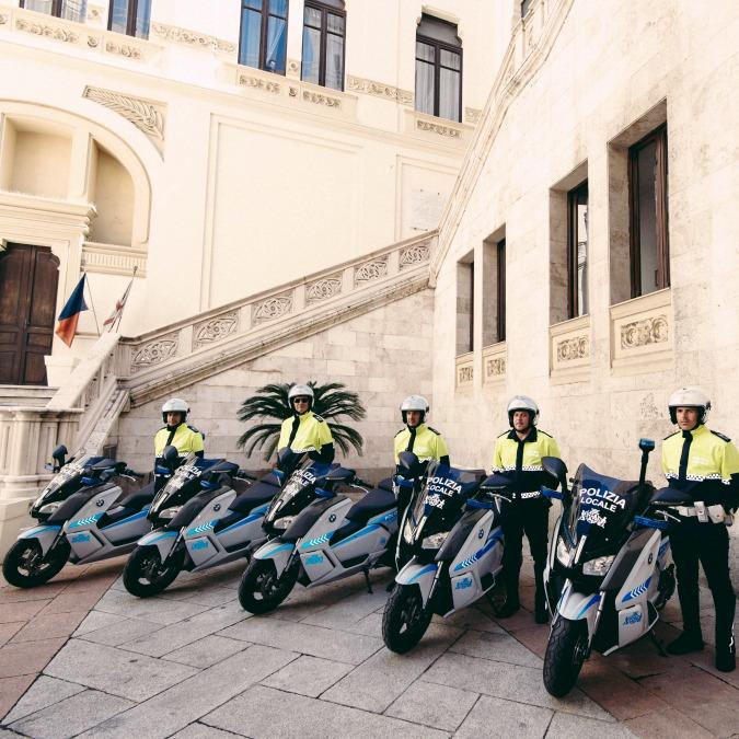 BMW C Evolution, 15 scooter elettrici per la polizia locale di Cagliari