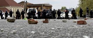 Baltimora (Usa), violenti scontri tra polizia e manifestanti