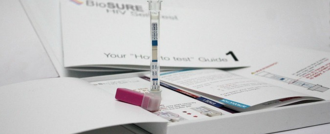 Test Hiv, un kit per il  fai da te. In Gran Bretagna costa meno di 30 sterline
