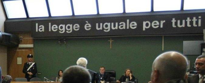 """Ferrara, avvocati scrivono al tribunale: """"Rimettere i crocifissi nelle aule"""""""