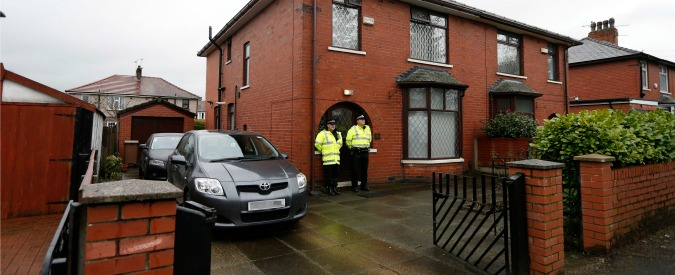 """Terrorismo, polizia britannica arresta due adolescenti: """"Preparavano attentati"""""""