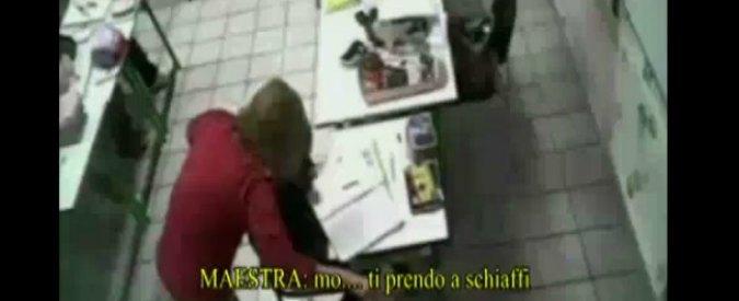 Andria, maestra elementare picchiava e minacciava gli alunni: arrestata