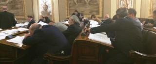"I ""belli addormentati"" della Regione Sicilia mentre si discute la finanziaria. M5S: ""Basta sedute notturne"""
