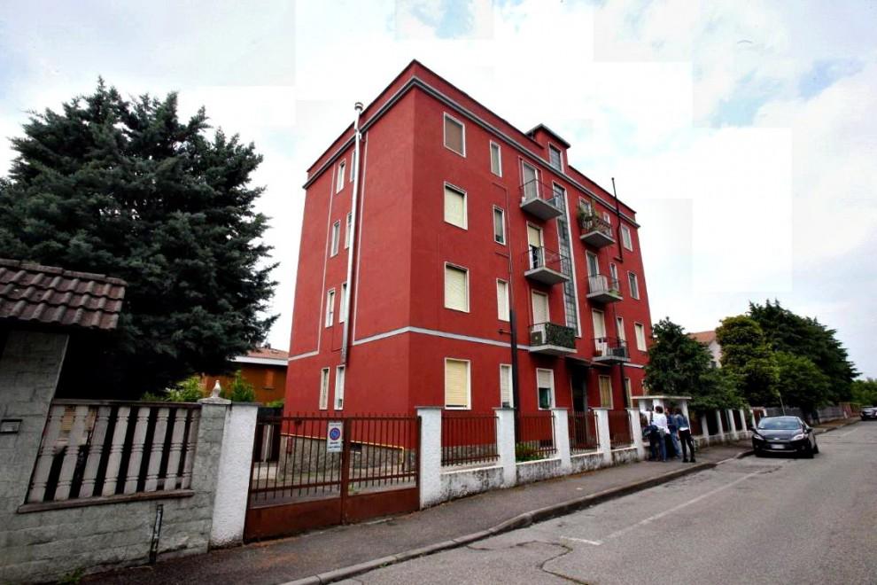 La palazzina di Gaggiano, nel milanese, dove è stato catturato Touil Abdelmajid