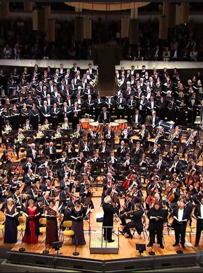 Berliner Philharmoniker, l'orchestra più celebre al mondo senza direttore: fumata nera