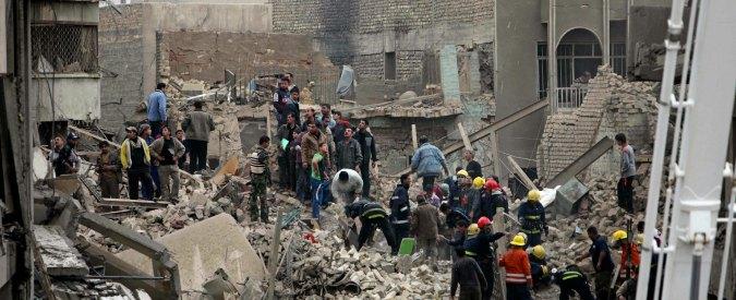 """Baghdad, 2 autobombe esplodono vicino a hotel Sheraton e Babil: """"Dieci morti"""""""