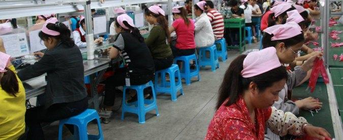 """Cina, nasce a Dongguan la prima fabbrica senza operai: """"Sostituiti da 1.000 robot"""""""