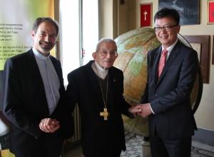 Da sinistra don Bolis, il card. Capovilla e il console Chang Jae-bok - Credits Fondazione Papa Giovanni XXIII