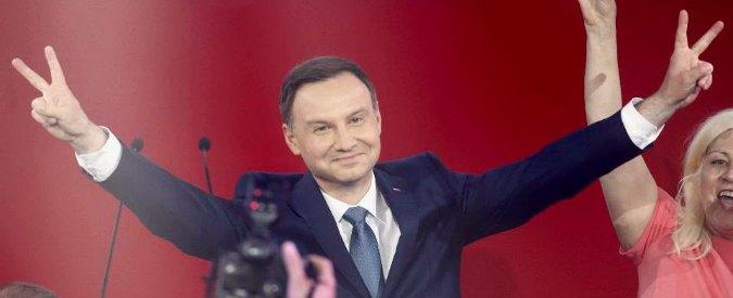 """Polonia, al ballottaggio vince euroscettico Duda: """"Possiamo cambiare il Paese"""""""
