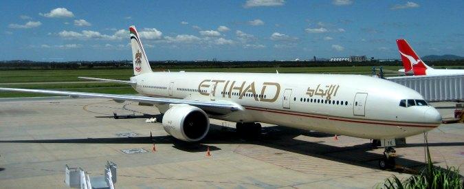 Etihad, volo Cairo-Abu Dhabi atterra in base militare a Dubai: 'Motivi di sicurezza'