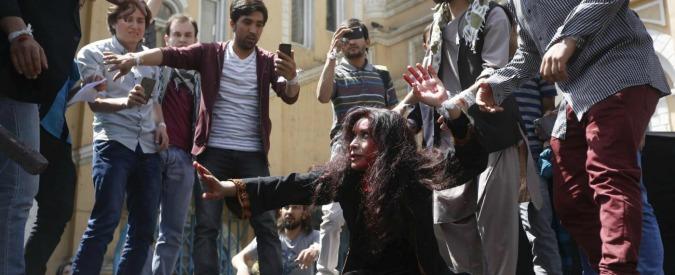 Farkhunda, 11 agenti condannati a un anno, gli altri prosciolti. Delusi gli attivisti
