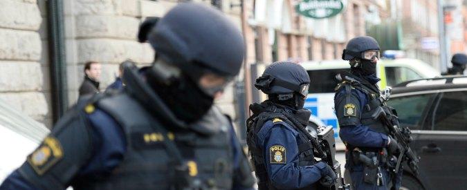 """Francia, ok al """"Patriot Act"""": sì all'uso delle scatole nere per trovare terroristi sul web"""