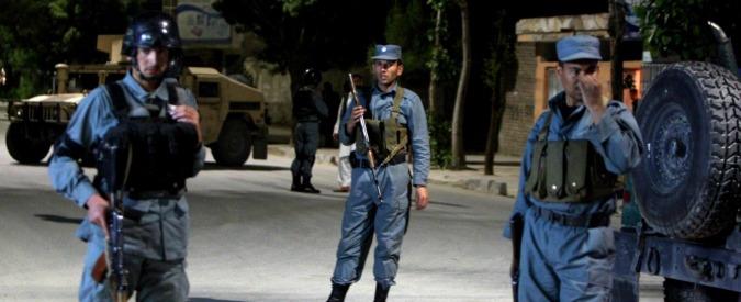 Kabul, autobomba vicino all'aeroporto. Tra le vittime un contractor britannico