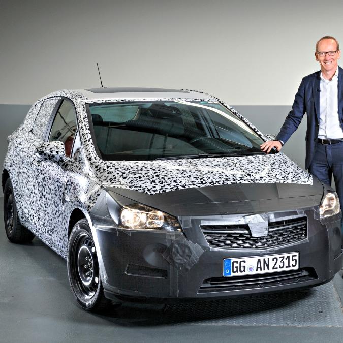 Opel Astra, la nuova debutta al Salone di Francoforte. Sarà più piccola e leggera