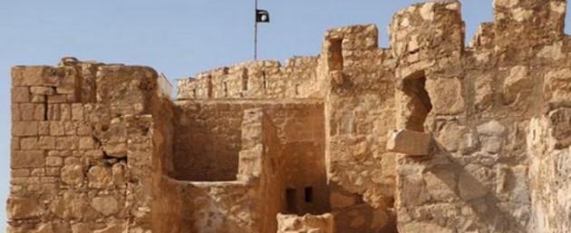 Palmira bandiera Isis 2 675