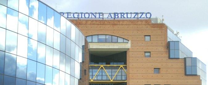 """Abruzzo, D'Alfonso: """"Dirigenti si aiutano con i gomiti come Alfredino nel pozzo"""""""
