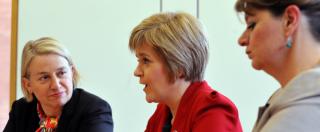 Elezioni Regno Unito, le 'dame rosse' in corsa: la Merkel della Scozia, l'indipendentista gallese e la verde anti-monarchica