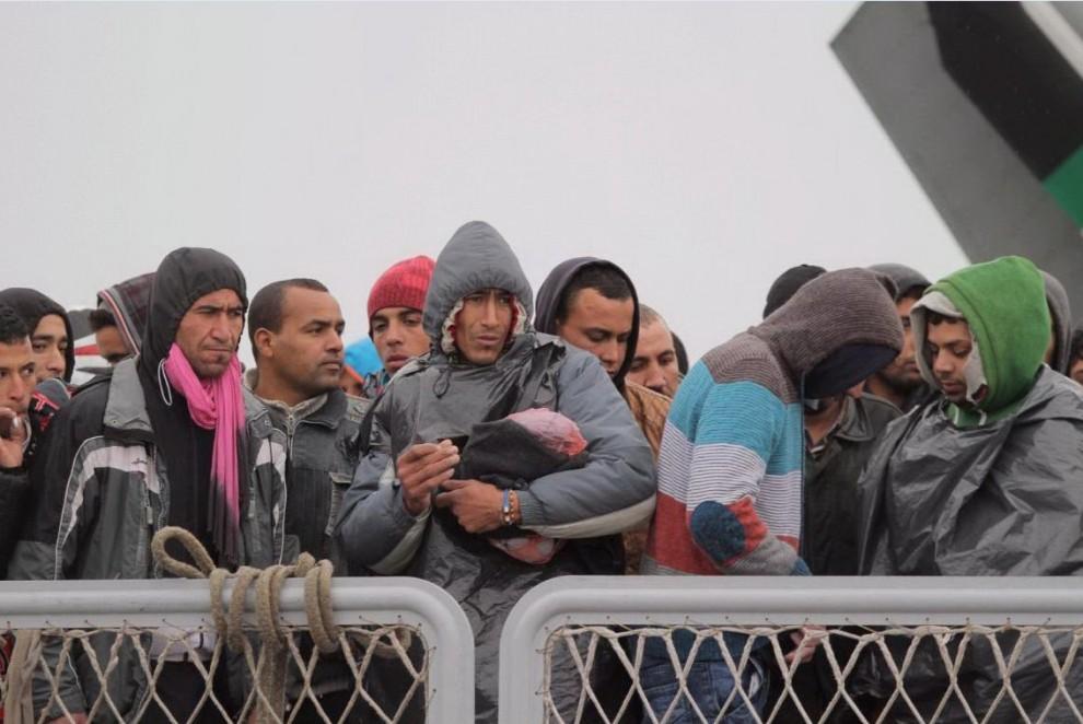 Touil fotografato dall'Ansa il 17 febbraio sul un barcone arrivato a Porto Empedocle