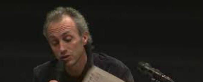 Concerto 1 maggio Taranto, l'intervento di Marco Travaglio in una piazza gremita