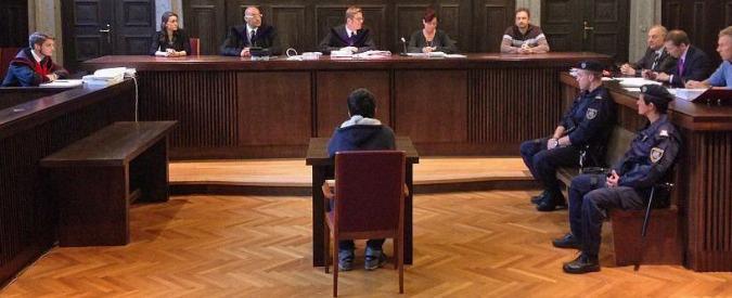 Isis, 14enne condannato in Austria: 'Bomba con manuali presi da Playstation'