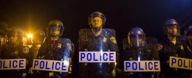Baltimora, incriminati per omicidio sei agenti per morte di Freddie Gray