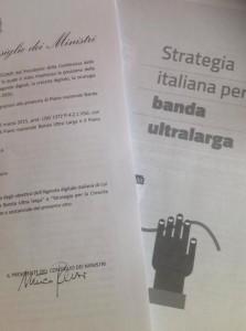 Firma di Matteo Renzi su delibera banda ultra larga