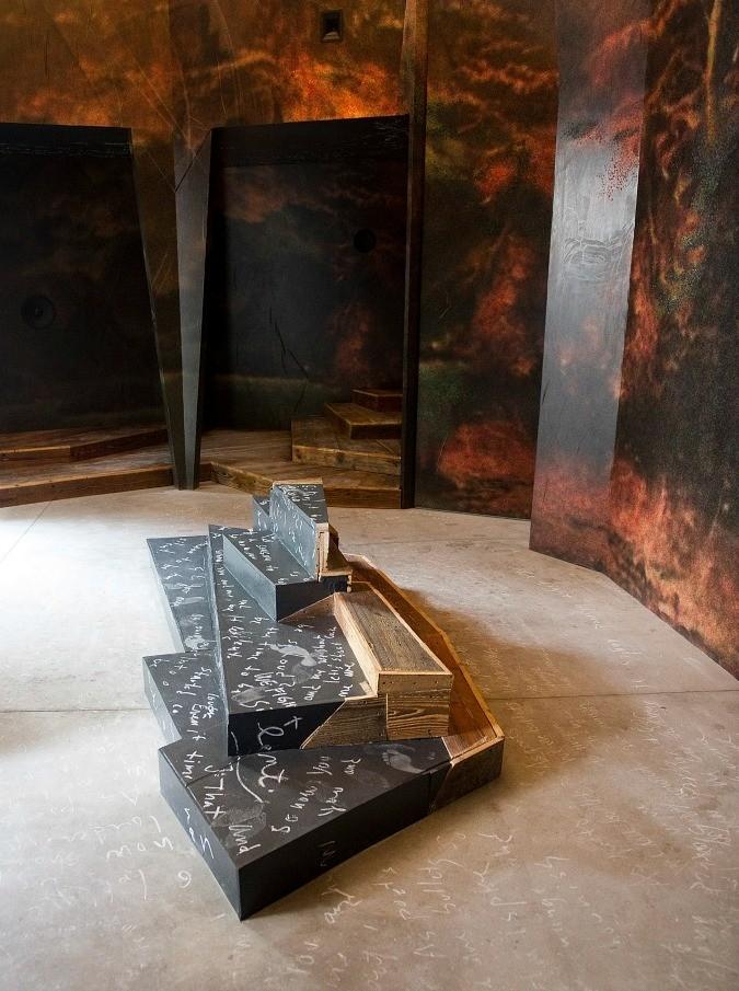 """Biennale Venezia 2015: """"E' un'edizione politica, abbiamo messo in scena lo stato delle cose"""""""