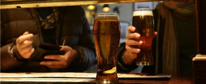 Pint of Science, una birra uno scienziato e un bar. Tutti gli appuntamenti in Italia