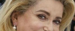Festival di Cannes 2015, Catherine Deneuve e le lacrime sul red carpet