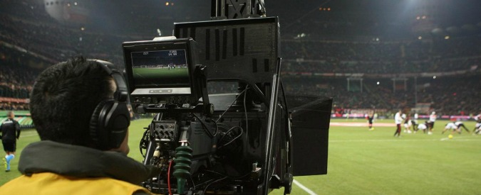 """Diritti tv calcio: """"Ci mettono in galera"""". Nelle intercettazioni il sistema Infront"""