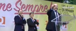 Pd, Renzi alla festa dell'Unità di Bologna. Collettivi tentano ingresso per contestarlo, tafferugli con le forze dell'ordine