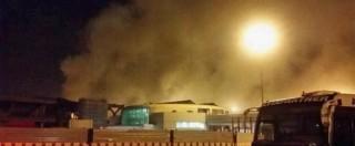 """Incendio Fiumicino (FOTO e VIDEO), venerdì a terra il 50% dei voli. """"L'origine in un vano dietro il frigo di un bar"""""""