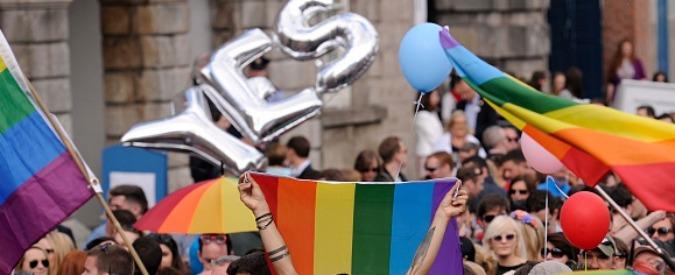 """Matrimoni gay, l'arcivescovo di Dublino: """"Rivoluzione"""". Alfano: """"Solo unioni civili"""""""
