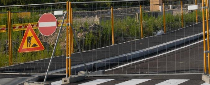 """Comunali, """"strade asfaltate in cambio di voti"""": a processo due sindaci in Maremma"""