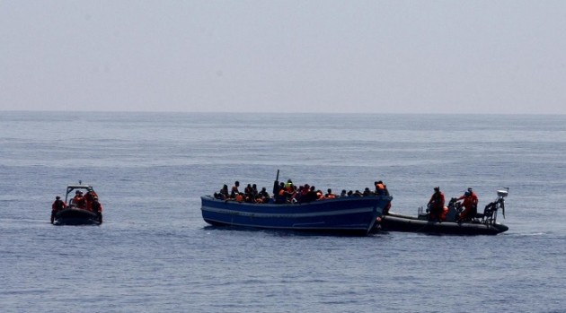 Sbarchi, nave tedesca salva migranti vicino Libia