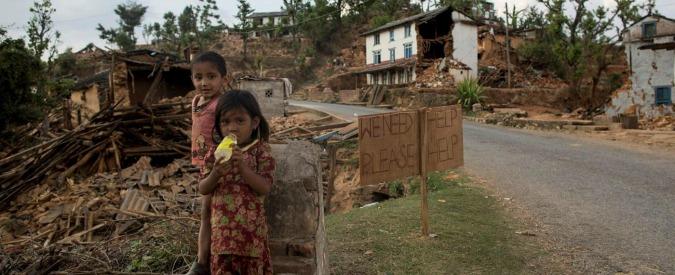"""Terremoto in Nepal, estratto vivo ha 105 anni. Onu: """"Dogane bloccano aiuti"""""""