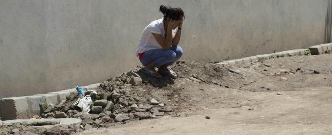 Terremoto Nepal, scossa magnitudo 7,4: almeno 57 morti e 1.129 feriti