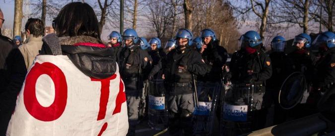 """No Tav, tre anarchici condannati per """"assalto"""" a cantieri Chiomonte nel 2013"""