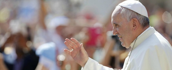 "Papa Francesco abbraccia Abu Mazen. ""Lei sia angelo di pace"""