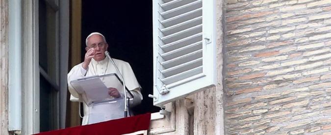 """Papa Francesco ancora contro la corruzione: """"Lottare senza compromessi"""""""