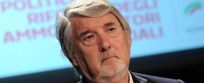 """Scandalo dei patronati all'estero, la relazione del comitato parlamentare boccia Poletti: """"Riforma immediata"""""""
