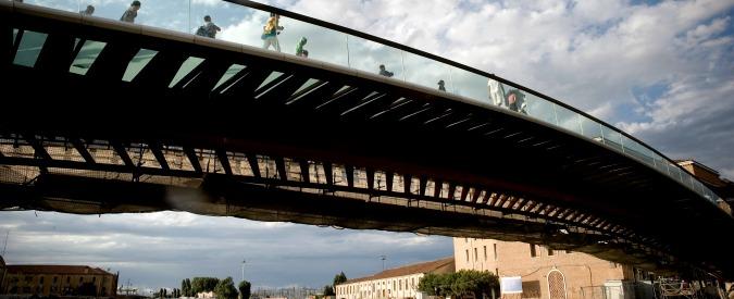 Venezia, turisti bloccati nell'ovovia da 2 milioni del ponte di Calatrava