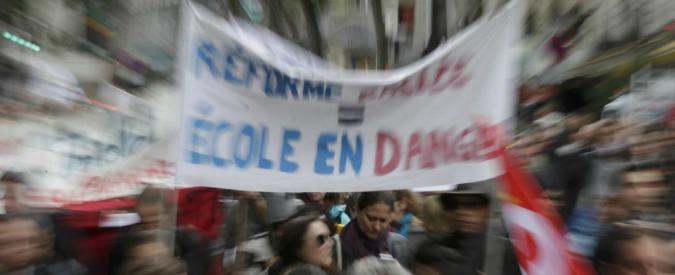 """Francia, insegnanti vs riforma scuola: """"Sarà obbligatorio studio nascita Islam"""""""