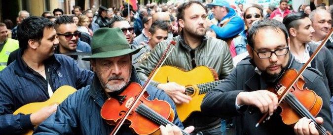 """Bologna, Rom e Sinti in corteo. Manconi (Pd): """"Minoranze siano rispettate"""""""