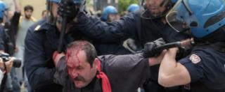 Salvini in Toscana, contestazioni e scontri. A Massa due feriti, a Viareggio botte all'auto in fuga (FOTO)