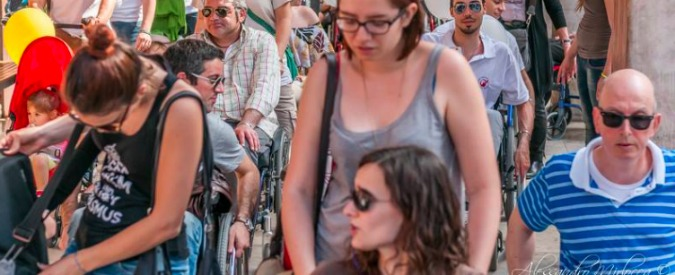"""A Bologna la """"Skarrozzata"""": per mostrare quanto è difficile essere disabili"""