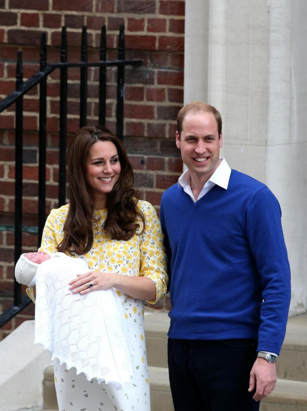 Londra, William e Kate escono dall'ospedale con la royal girl