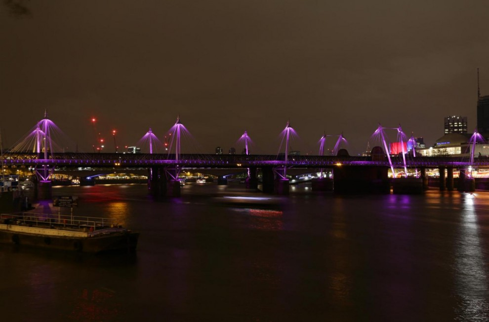 Londra si tinge di rosa per celebrare la nascita della Royal baby