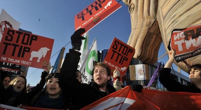 Ttip, appello ai nostri parlamentari europei contro la clausola a favore delle lobby
